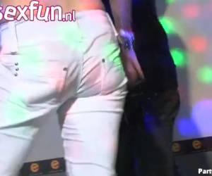 una fiesta de sexo caliente en el club de sexo