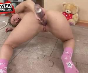 Beautiful teen girl masturbate her shaved pussy