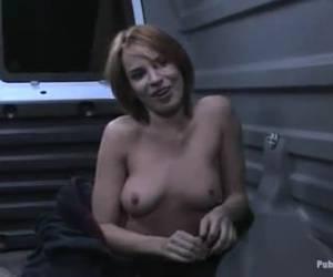 sexualmente humillado en una tienda de whiteh clientes