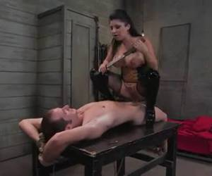 Bondage whore abused her slave