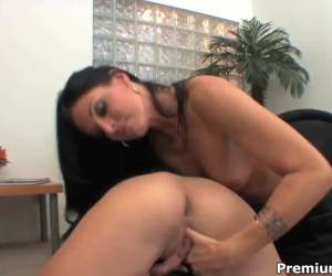 Chastity Lynn and India Summer get wet ans naughty