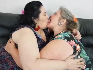 BBW LESBIAN BRAZIL KISSING