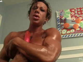 BIG CLIT & MUSCLE SOLO
