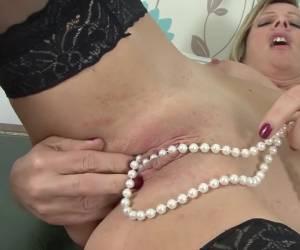 egli mostra la ragazza sua pompino falli e scopa li anali e vaginali