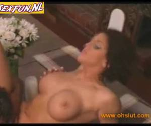 milfs old pussy fingering
