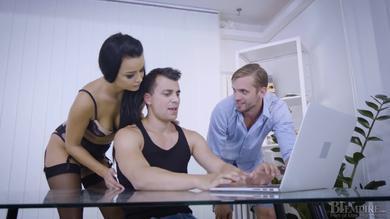 stunning Daphne Klyde has naughty bisex theeway sex MMF