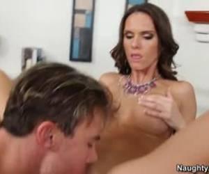 naughty puta tiene sexo por dinero