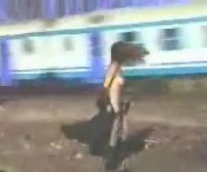 pasajeros a disfrutar de su cuerpo desnudo
