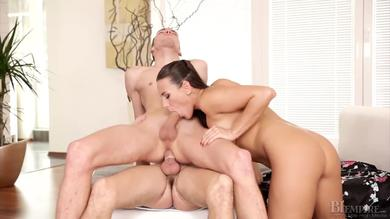 Sexually charged stud mounts bisexual man and his GF in threesome