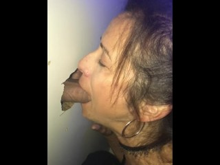 Gloryhole fun