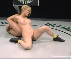doppia penetrazione pompino e sperma squirting scene