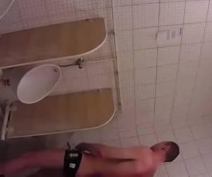 Secretly snatch on the toilet