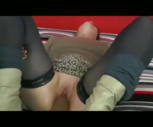 Fist fucks the black man the pussy of the horny wife