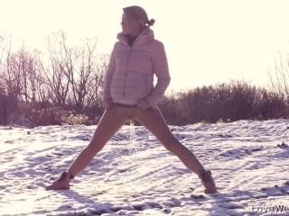 Beautiful Girls - Standing Pee Compilation