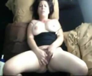 Thick slut loves big things in her ass