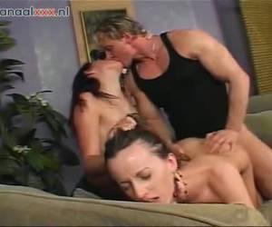 un esperma dos trio sexo whiteh traga chicas bisex de esperma